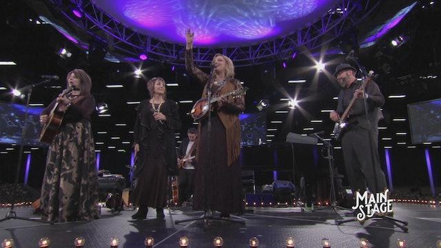 Guests Triumphant Quartet and The Isaacs