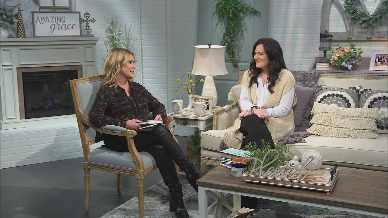 Watch Lysa TerKeurst   Forgiving What You Can't Forget