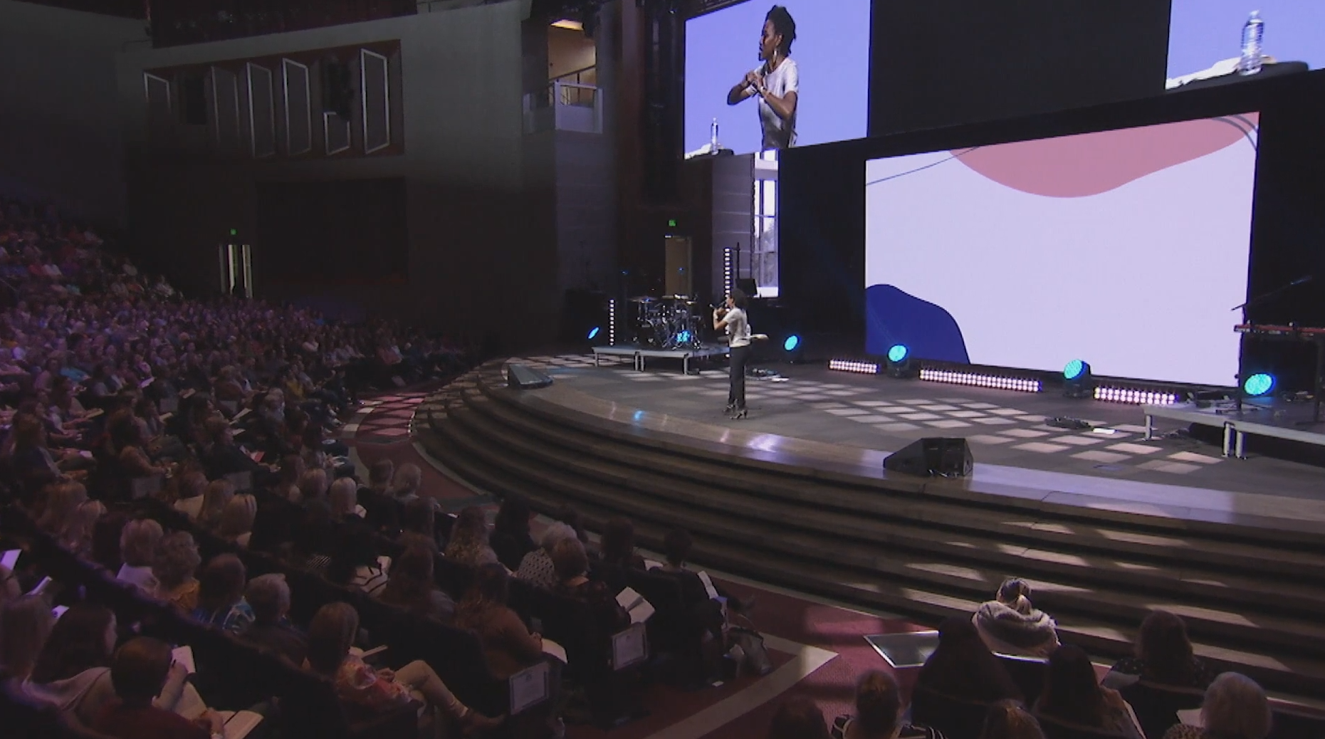 Watch Praise | Priscilla Shirer | 3/22/19