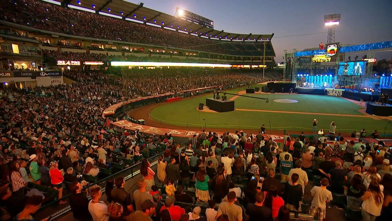 Watch Praise | Harvest Crusade | 5/25/18