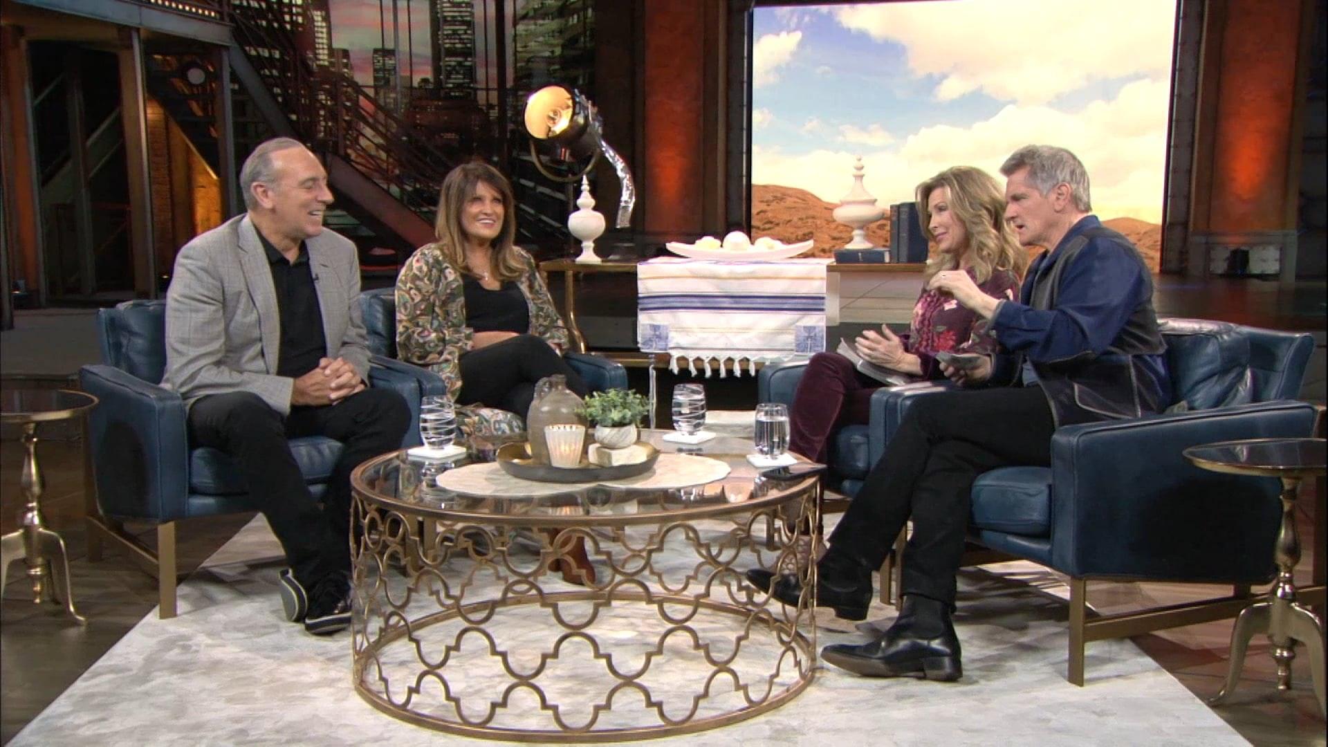 Watch Praise   Brian & Bobbie Houston   3/8/19
