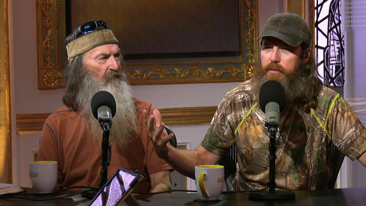 Watch Guest Phil, Jase, & Al Robertson