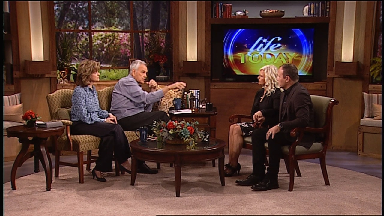 Watch Mark and Grace Driscoll | Win Your War
