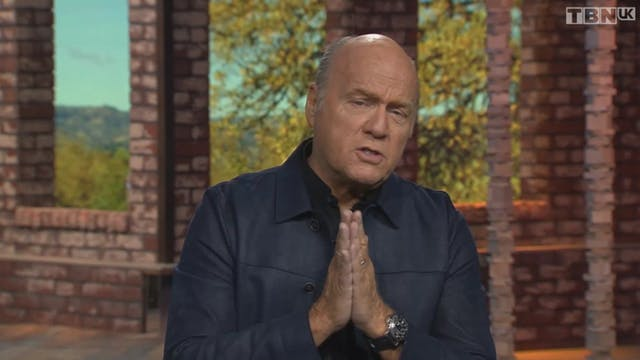 Prase with Greg Laurie