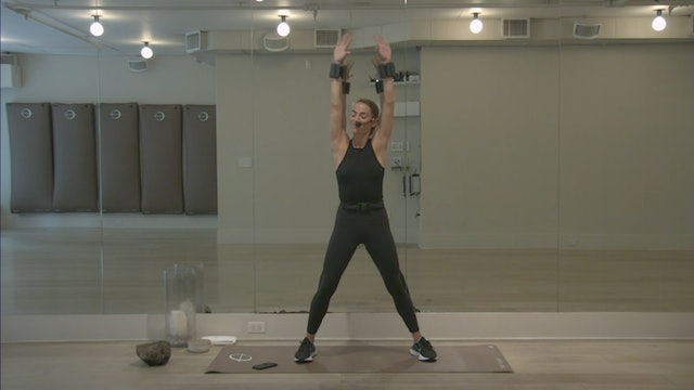 The Class Sculpt: Upper Body with Laura   15 minutes