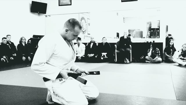 Alan Shade Black Belt | Black and White