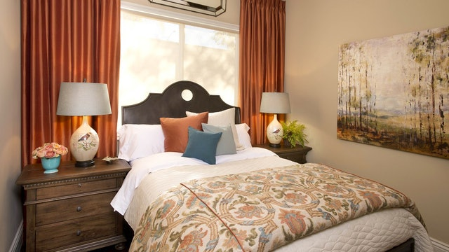 San Diego: Guest Room & Niches