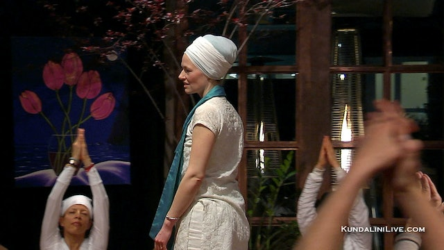 10 Minute Yoga for Courage with Nihal Kaur