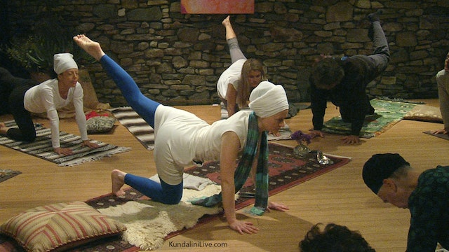 10 Minute Yoga with Nihal Kaur