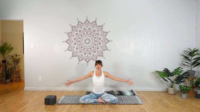 Prenatal LUNA Yoga Flow 4 (All Levels)