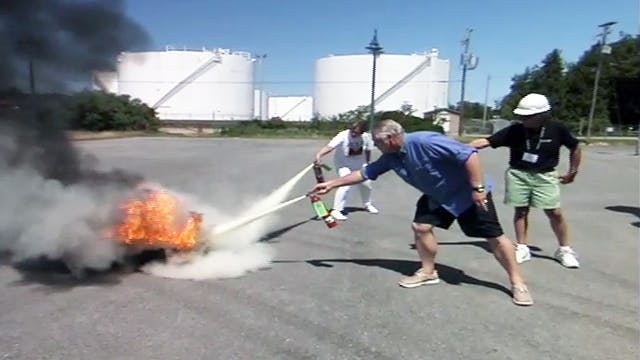 Cruising Tip: Using Fire Extinguisher
