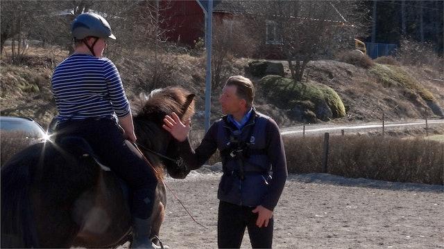 24 april - 18: Reynir möter Monica och Stormur