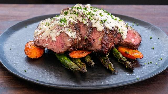 Denver Steak con mantequilla de queso de cabra