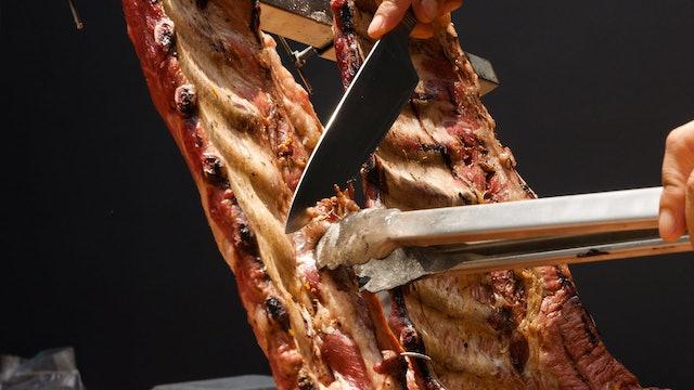 Costillar de cerdo a la estaca