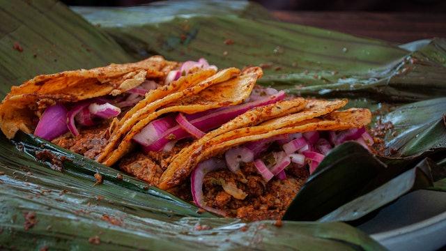 Tacos en salsa de chicharrón norteño