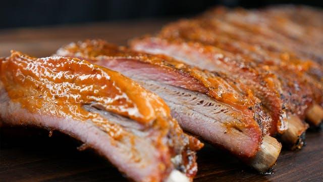 Costillas de cerdo con BBQ mango-haba...
