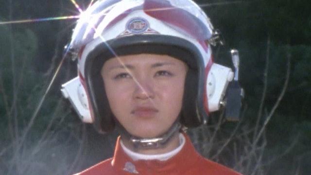 80's Greatest Peril! Transform! Lady Ultraman!