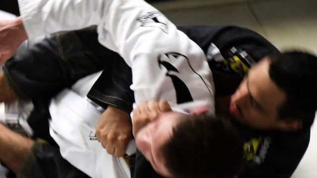 Cross Collar Choke Trapping the Arm [BJJ-05-11-02]