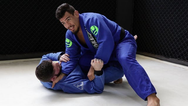 Knee Cut Controlling the Arm to Mount [BJJ-03-09-04]