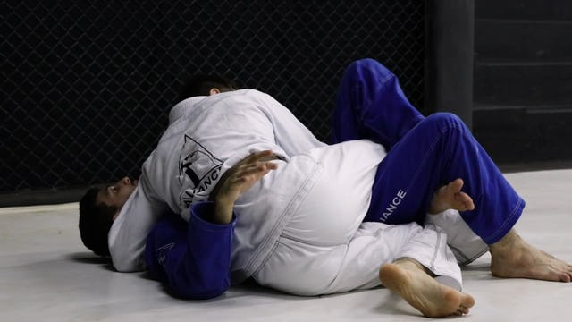Switching Legs to Take the Back  [BJJ-04-03-31]