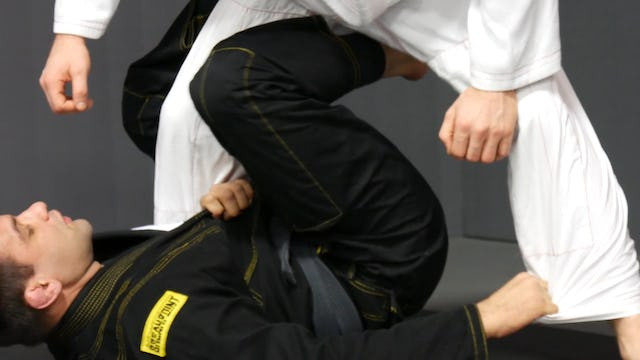 Shift Hips to Sweep Backwards [BJJ-04-08-01]