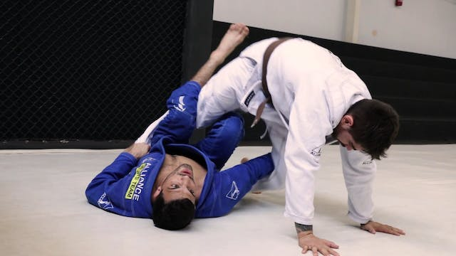 Deep Half Guard Entry [BJJ-04-03-27]