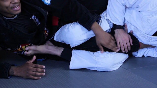 Footlock Defense to Standing Up [BJJ-06-04-01]