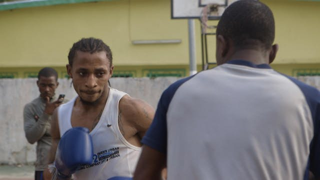 Boxing Libreville (French Subtitles)