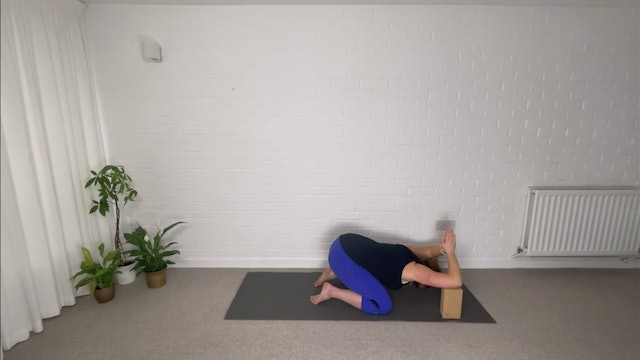 Desk Break - Wrist, Shoulder and Neck Release