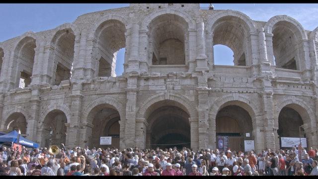 Amphithéâtre d'Arles - Un philosophe dans l'arène.jpg