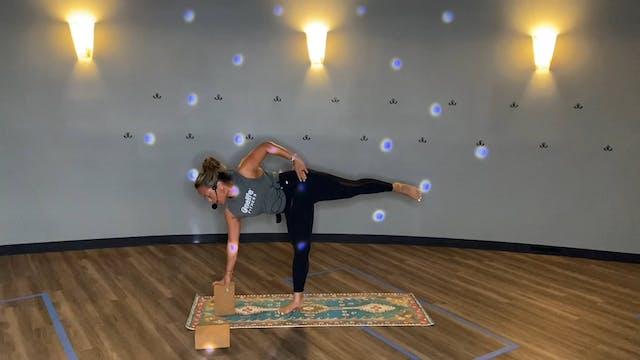 APEX Yoga with JoAnne Using Blocks  (...