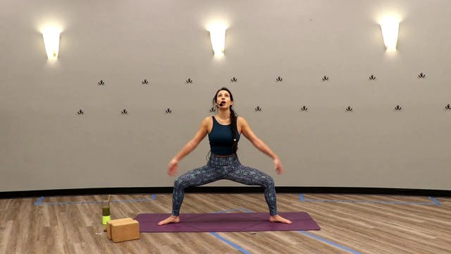 Power Yoga - core focus with Nina (LI...