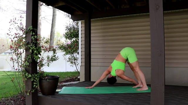 Power Yoga with Nina (LIVE Thursday 4...