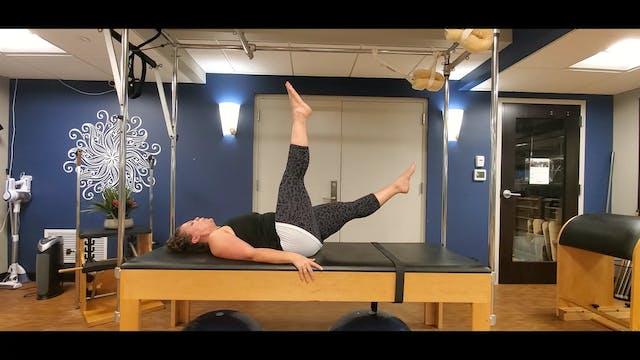 Mat Pilates 20 Min Express with Morga...