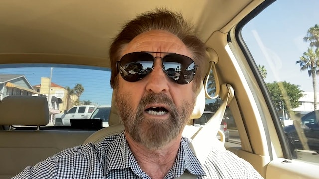 Ray Comfort Crashes His Car While Evangelizing