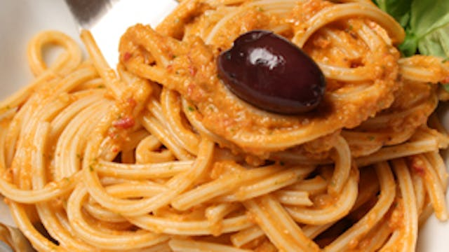 Fresh Tomato Sauce with Almonds