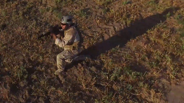 Elliott McKenzie - Gunshots (Feat.The Marine Rapper)