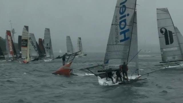 JJ Giltinan Trophy 2017 - Race 1 - Fu...