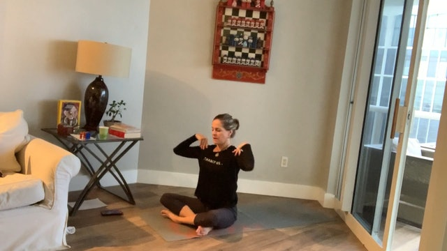 Wake Up Morning Flow for Back and Hips with Kathleen Kowall (45 mins)
