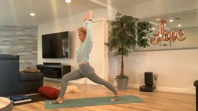 Slow Flow Targeting the Glutes with Dana Heller (30 mins)