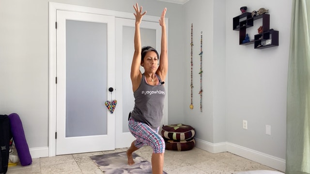 Yoga for Core Strength with Gabriela Fernandez (35 mins)