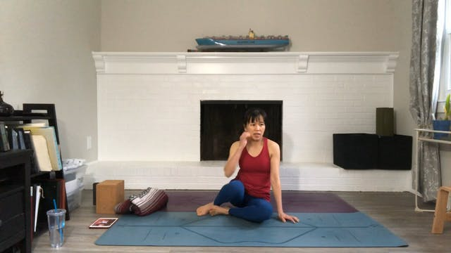 Hips Movement & Stretch with Amy Wong...