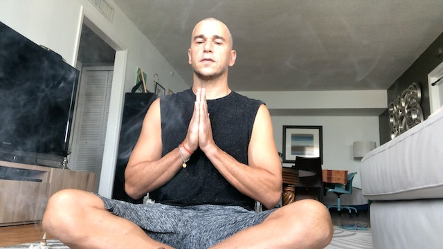 Body and Energy Meditation with Bruno Baiao (15 mins)