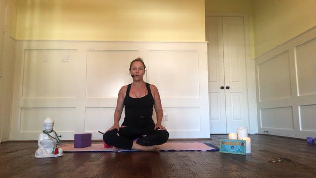 Yoga for Shoulders and Chest with Lor...