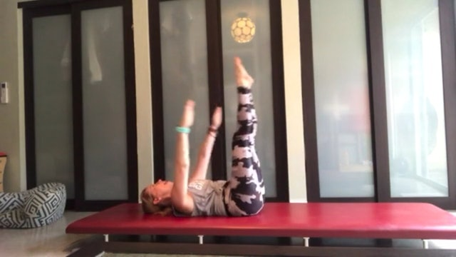 Mat Pilates with Sue Spinelli (30 mins)