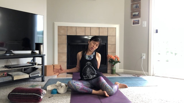 Twisting & Stretching with Amy Wong (45 mins)