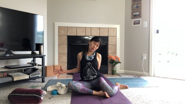 Twisting & Stretching with Amy Wong (...