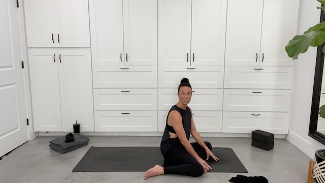 Gentle Yoga for Lower Body with Sandy Roe (25 mins)