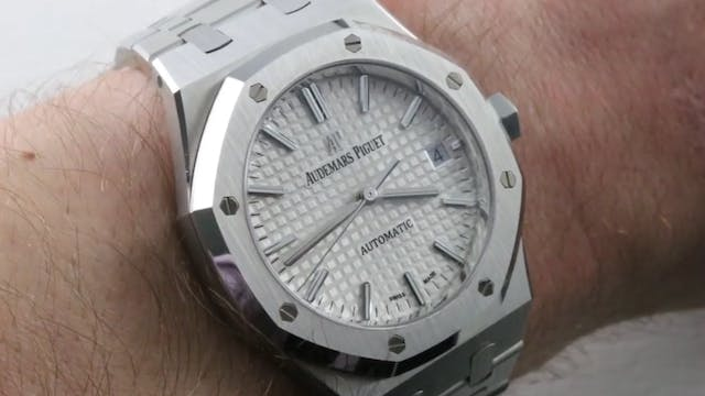 Audemars Piguet Royal Oak Mid Size (1...
