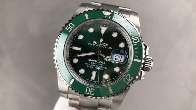 """Rolex Submariner Date """"Hulk"""" 116610LV Review"""